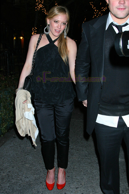 hilary_duff_and_mike_comrie_at_the_waverly_inn_02.jpg