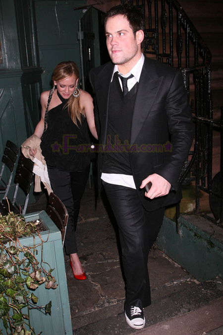 hilary_duff_and_mike_comrie_at_the_waverly_inn_04.jpg