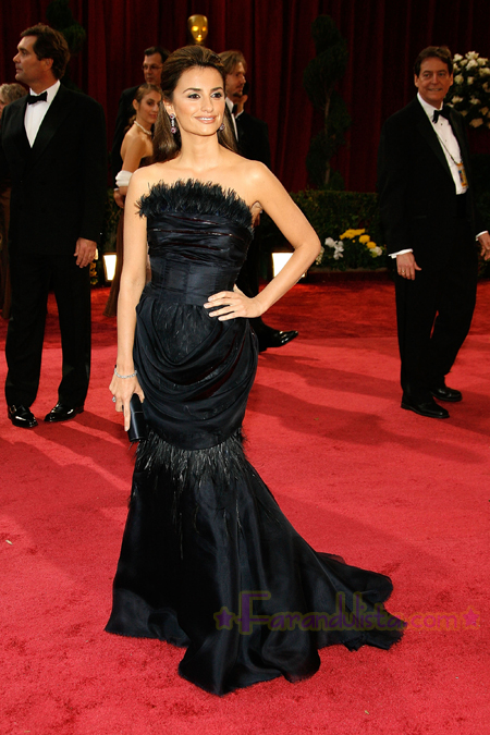 penelope-cruz-red-carpet-academy-awards-2008-04.jpg