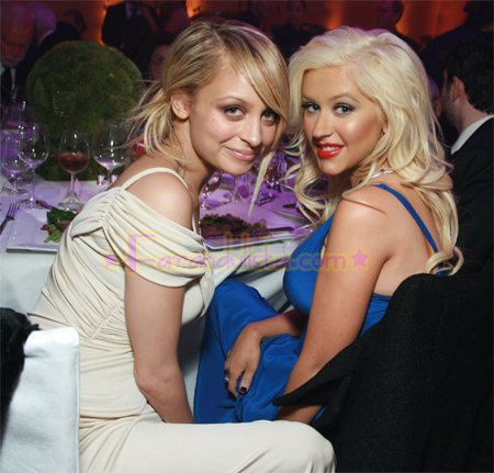 christina-aguilera-nicole-richie-at-event-01.jpg