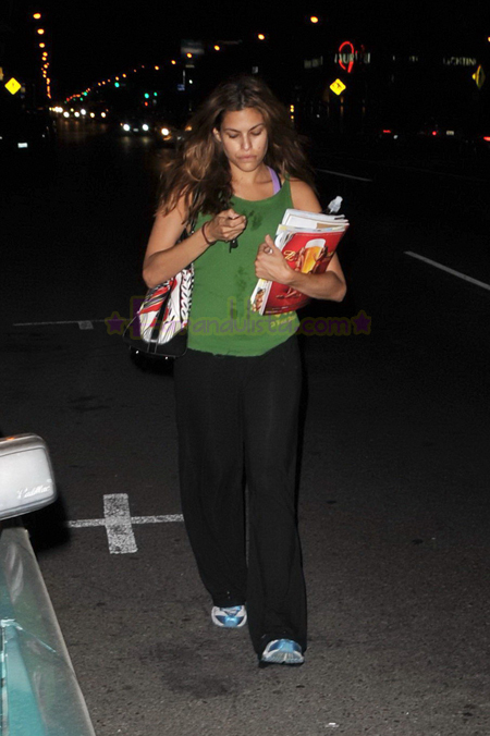 eva-mendes-leaving-gym-la-02.jpg