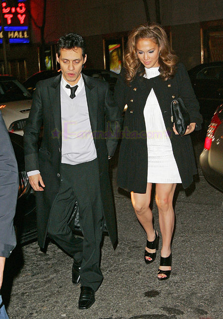 jennifer-lopez-and-marc-anthony-out-and-about-ny-01.jpg