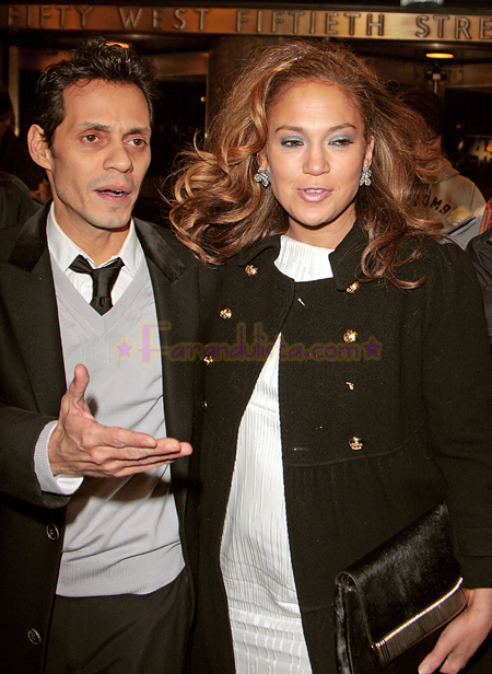 jennifer-lopez-and-marc-anthony-out-and-about-ny-08.jpg