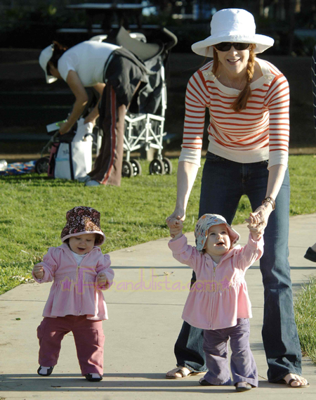 marcia-cross-and-twins-santa-monica-01.jpg