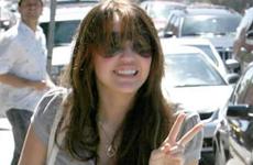 Miley Cyrus reemplaza a Britney como preferida de los paparazzis