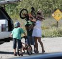 pamela-anderson-and-her-children-in-malibu-03.jpg