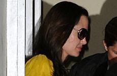 Angelina cambio el estilo gotico por uno colorido