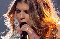 Fergie en el show Idol Gives Back 2008 de AI