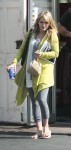 hilary-duff-walking-around-hollywood-01.jpg