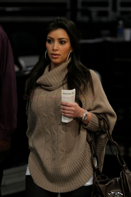 kim-kardashian-launches-at-lakers-hornest-basket-game.jpg