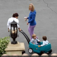 britney-spears-with-kids-01.jpg