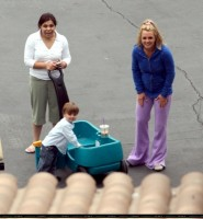 britney-spears-with-kids-02.jpg