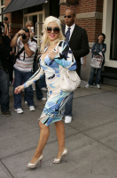 christina-aguilera-blue-dress-01.png