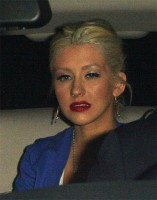 christina-aguilera-drunk-club-1.jpg