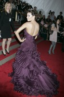 eva_longoria-metropolitan_museum_of_art_costume_institute_gala-02.jpg