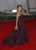 eva_longoria-metropolitan_museum_of_art_costume_institute_gala-03.jpg
