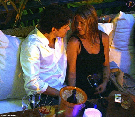 jen-aniston-john-mayer-kissing-o1.jpg