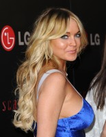 lindsay-lohan-blue-dress-02.jpg