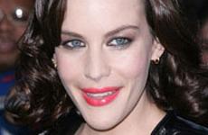 Liv Tyler y su nuevo maquillaje. Hot or Noooo?