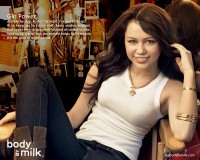 miley-got-milk.jpg