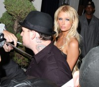 paris_hilton_nightclub_02.jpg
