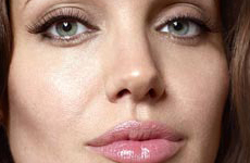 Angelina Jolie en Entertainment habla de sexo, Brad y babies