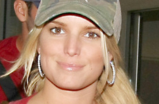 Jessica Simpson come carne – Sunday Gossip Links!