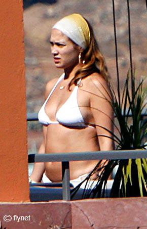 jlo-bikini-white-tenerife.jpg
