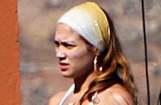 Jennifer Lopez muestra su cuerpo post parto en bikini