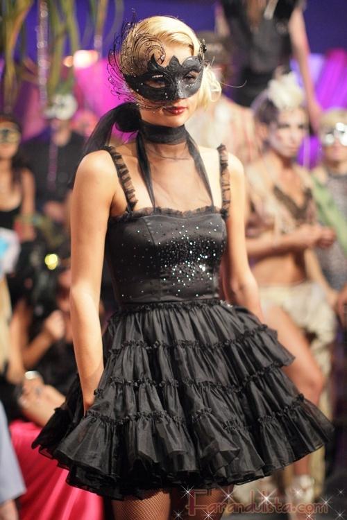 paris_hilton-paris_hilton31s_my_new_bff_masquerade_ball-01.jpg