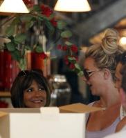Britney cedio la custodia de sus hijos - Bites & Gossip Links