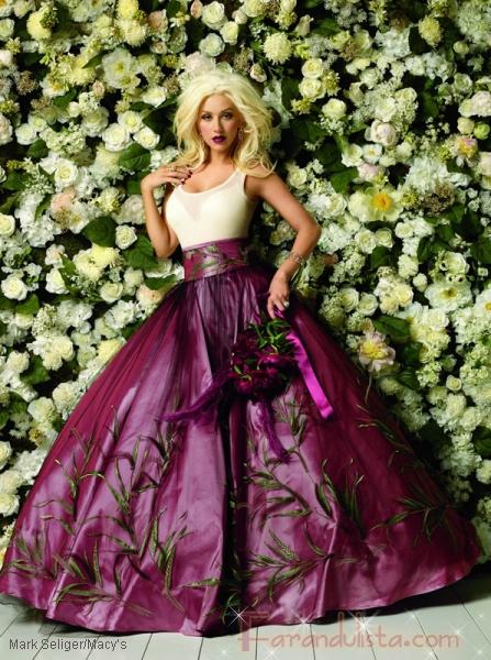 Christina Aguilera felicita a Macy's