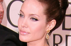 Angelina reemplaza a Tom Cruise en film de espionaje