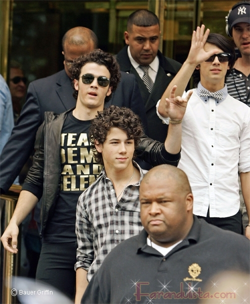 Los Jonas Brothers son del Team Demi y Selena