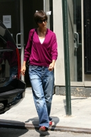 katie holmes out and about in new york 01.thumbnail