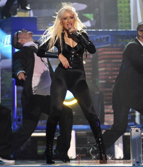 Lady Gaga y la actuacion de Christina Aguilera en los VMAs
