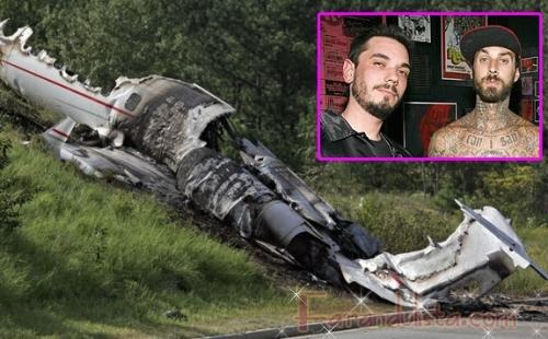 DJ AM y Travis Barker sobreviven a fatal accidente aereo