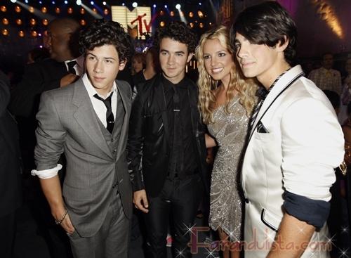 Los Jonas Brothers deseaban conocer a Britney