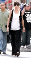 Katie Holmes se viste ancho porque esta embarazada