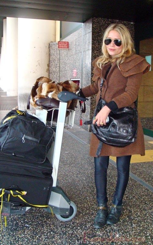 Mary Kate Olsen en Milan - Bites and Gossip Links!