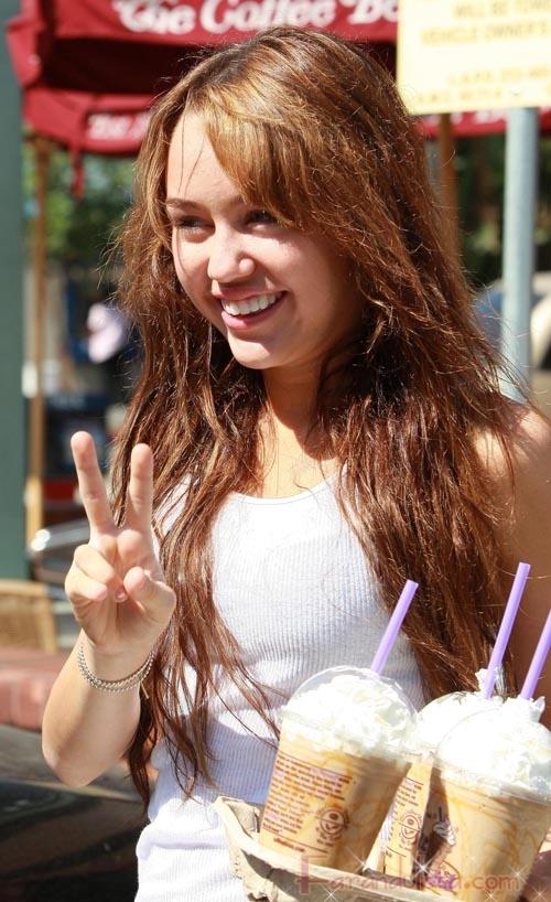 Miley Cyrus quiere que la despidan de Disney
