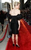 Renee Zellweger curvilinea en la alfombra roja