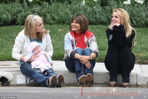 Britney se reune con sus padres y hermana nuevamente