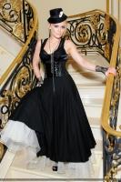 Reach Out de Hilary Duff - Video Premier