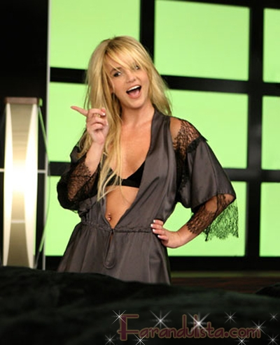 Britney Spears desnuda en Womanizer - Video