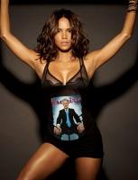 Halle Berry es la mujer mas sexy viva 2008 [Esquire]
