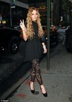 Gosh! Lindsay Lohan olvido a Sam y broncear sus pies