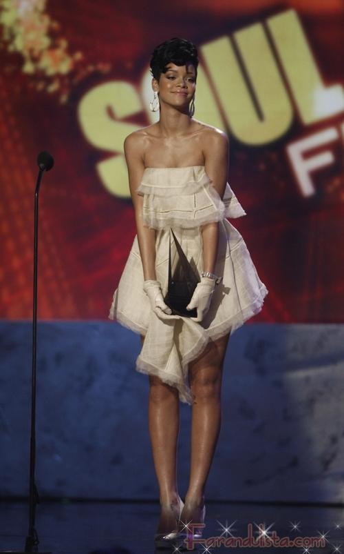 Rihanna en los American Music Awards 2008 - Ganadores