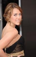 Miley Cyrus celebra sus dulces 16 en los AMA 2008