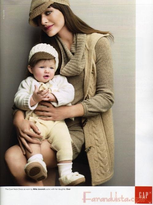 Milla Jovovich y su hija Ever Gabo para Gap Holiday